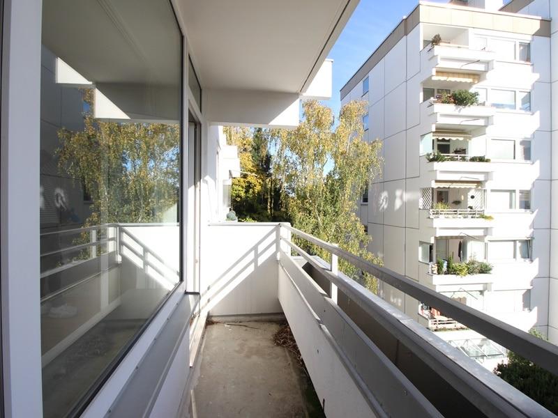 Kapitalanleger aufgepasst: Attraktives 1 ZKB Appartment mit Balkon in ruhiger, grüner Lage von Ottobrunn - Balkon