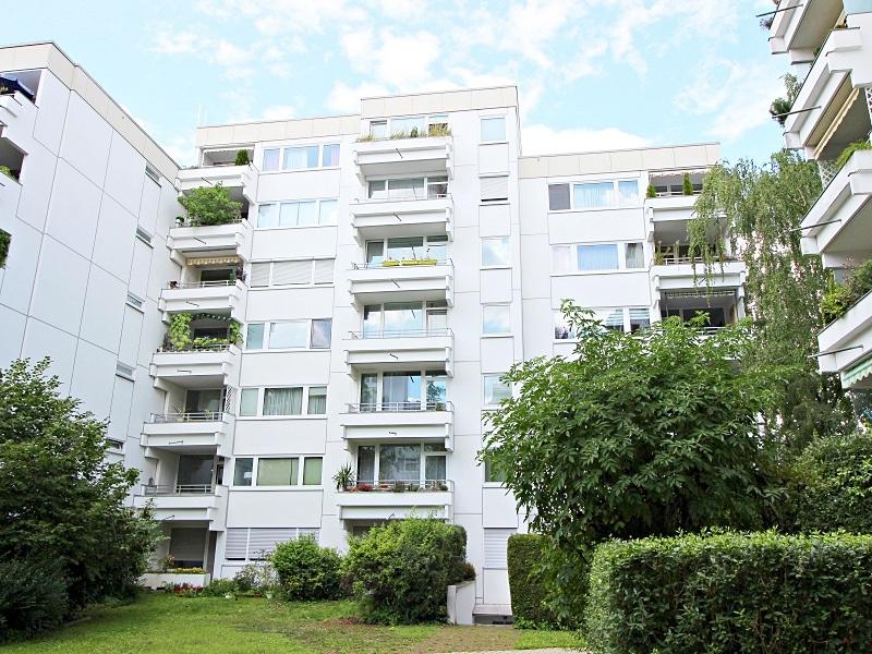 Kapitalanleger aufgepasst: Attraktives 1 ZKB Appartment mit Balkon in ruhiger, grüner Lage von Ottobrunn - Außenansicht