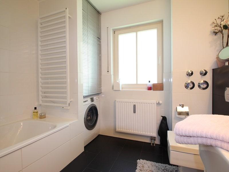Großzügige 4 Zimmer Erdgeschosswohnung mit zusätzlich 2 Hobbyräumen in Grasbrunn / Neukeferloh - Bad