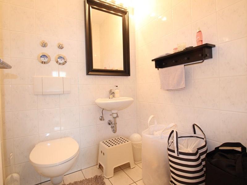 Großzügige 4 Zimmer Erdgeschosswohnung mit zusätzlich 2 Hobbyräumen in Grasbrunn / Neukeferloh - Gäste-WC