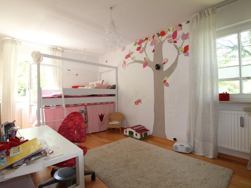 Großzügige 4 Zimmer Erdgeschosswohnung mit zusätzlich 2 Hobbyräumen in Grasbrunn / Neukeferloh - Kinderzimmer 1