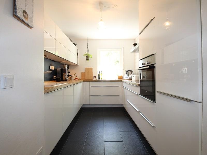 Großzügige 4 Zimmer Erdgeschosswohnung mit zusätzlich 2 Hobbyräumen in Grasbrunn / Neukeferloh - Küche