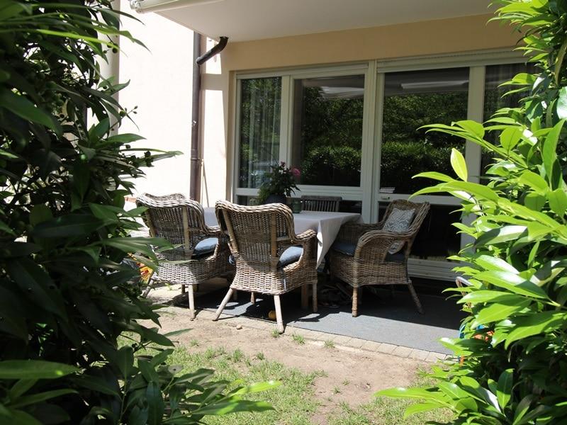 Großzügige 4 Zimmer Erdgeschosswohnung mit zusätzlich 2 Hobbyräumen in Grasbrunn / Neukeferloh - Terrasse