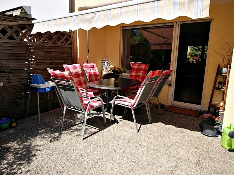 Modernisiertes Reihenmittelhaus in Riemerling mit günstigem Erbbauzins - Terrasse
