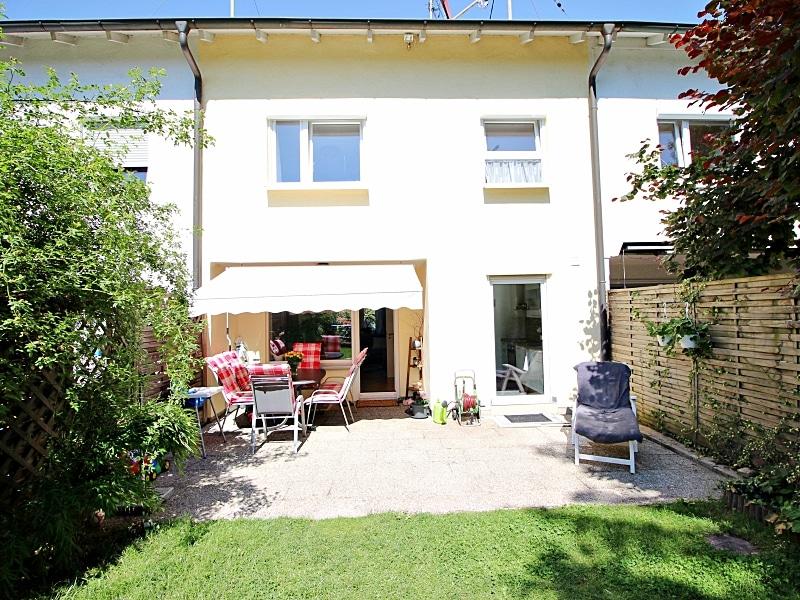 Modernisiertes Reihenmittelhaus in Riemerling mit günstigem Erbbauzins - Außenansicht Gartenseite