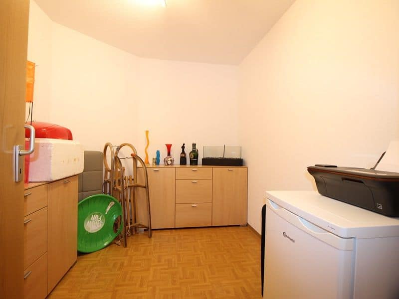 Attraktive große 3,5 ZKB Gartenwohnung plus Hobbyraum in Pliening / Gelting - Kellerraum