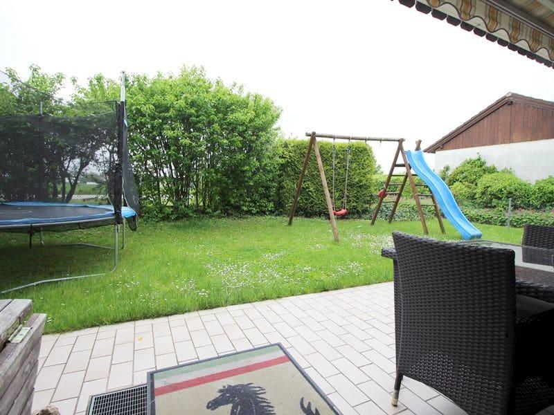 Attraktive große 3,5 ZKB Gartenwohnung plus Hobbyraum in Pliening / Gelting - Westgarten