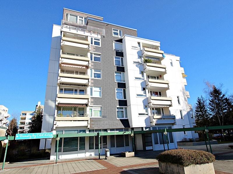Traumhafter Panoramablick: XXL 2,5ZKB Dachterrassen Wohnung für Singles / Paare in ruhiger Lage von Ottobrunn - Westansicht