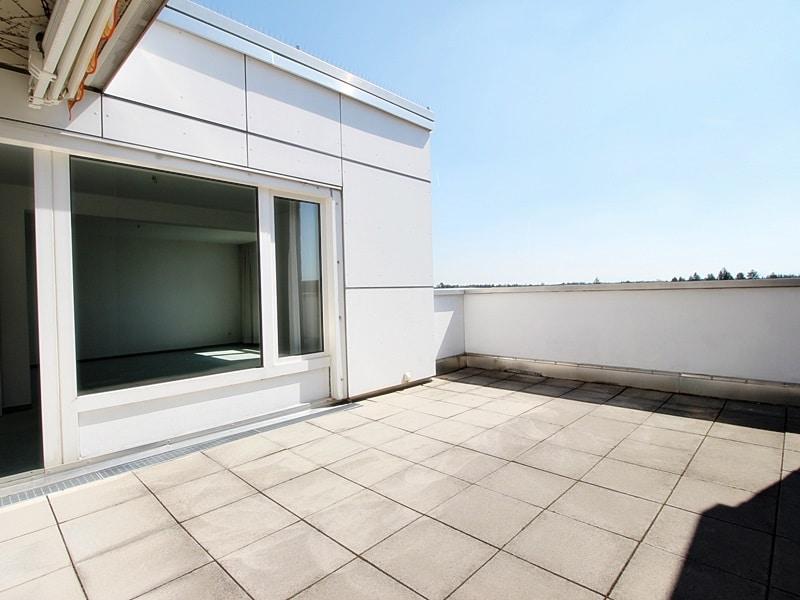 Traumhafter Panoramablick: XXL 2,5ZKB Dachterrassen Wohnung für Singles / Paare in ruhiger Lage von Ottobrunn - Dachterrasse