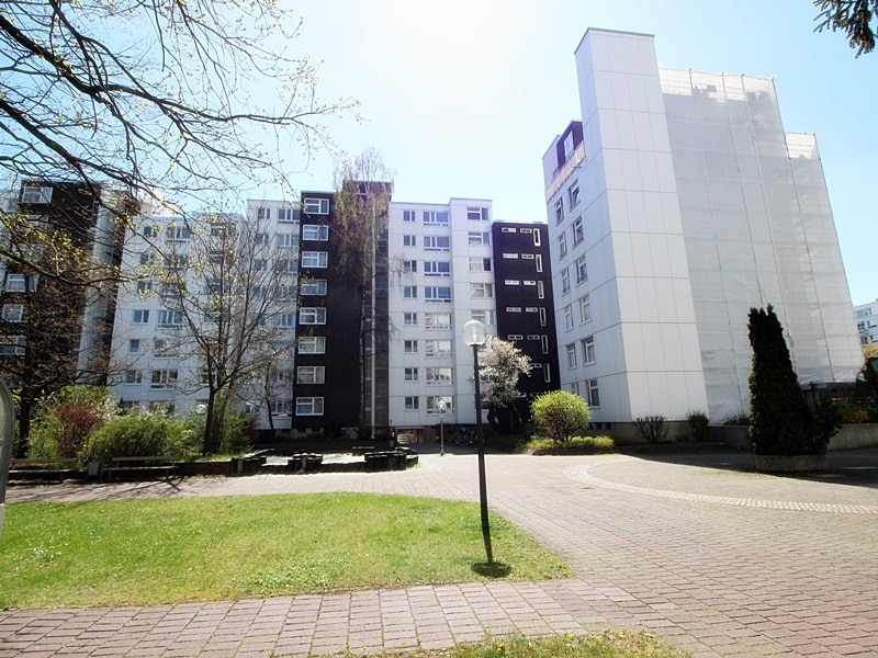 Traumhafter Panoramablick: XXL 2,5ZKB Dachterrassen Wohnung für Singles / Paare in ruhiger Lage von Ottobrunn - Nordansicht