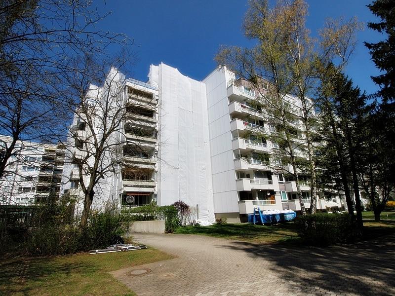 Traumhafter Panoramablick: XXL 2,5ZKB Dachterrassen Wohnung für Singles / Paare in ruhiger Lage von Ottobrunn - Südansicht