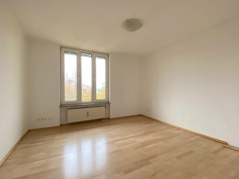Attraktive, helle 3 Zimmerwohnung in ruhiger, zentraler Lage von Höhenkirchen - Schlafzimmer