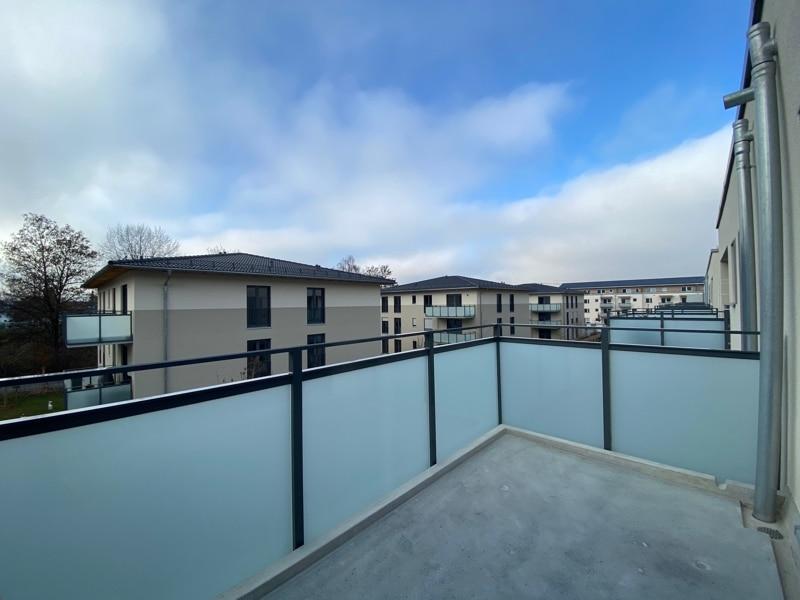 Erstbezug - Attraktive 2 Zimmerwohnung mit EBK und Westbalkon in Höhenkirchen - Balkon