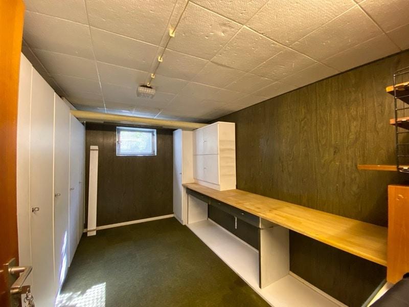 Renovierungsbedürftige 4 Zimmerwohnung mit viel Potential in attraktiver Lage von Ottobrunn - Kellerraum
