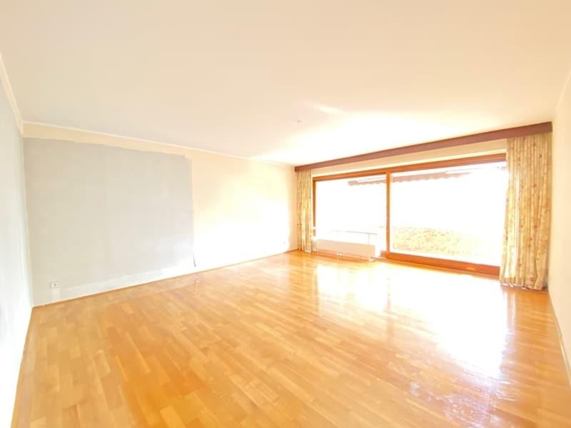 Renovierungsbedürftige 4 Zimmerwohnung mit viel Potential in attraktiver Lage von Ottobrunn - Wohnzimmer