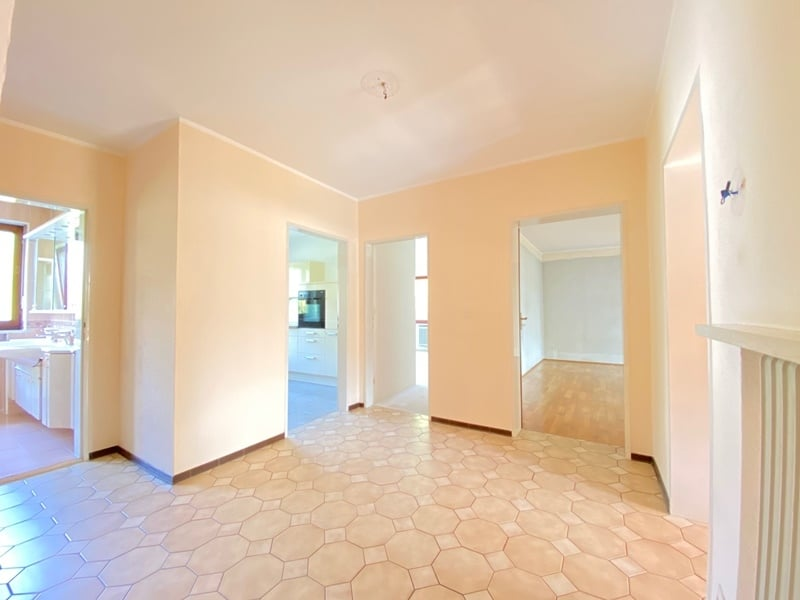 Renovierungsbedürftige 4 Zimmerwohnung mit viel Potential in attraktiver Lage von Ottobrunn - Diele