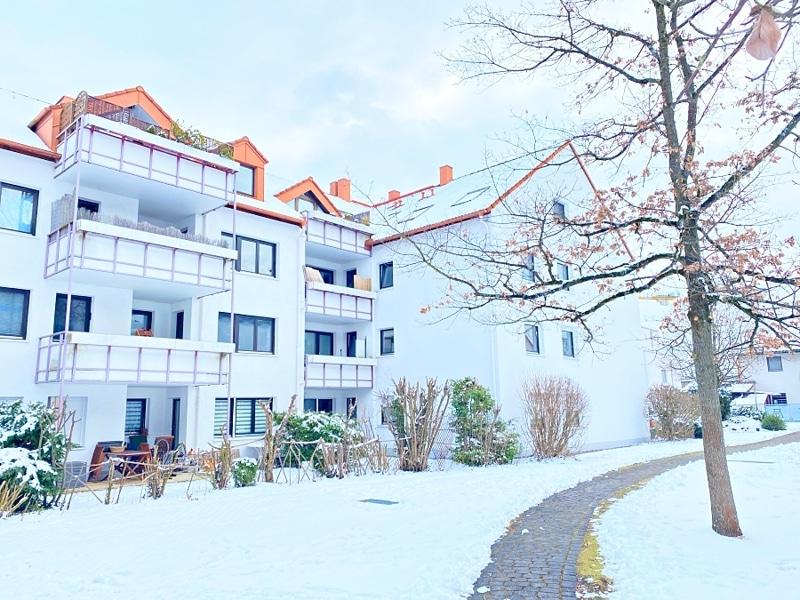 Gemütliches 1 ZKB Apartment mit kleinem Garten in zentraler Lage von Unterhaching - Außenansicht Westen
