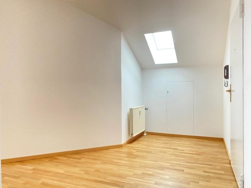 Neu sanierte 3 Zimmer Dachgeschosswohnung in zentraler Lage von Höhenkirchen - Eingangsbereich