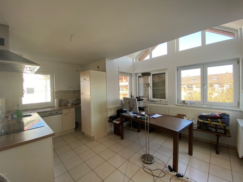 Großzügige, lichtdurchflutete 2 ZKB Wohnung mit Südbalkon in Siegertsbrunn - Essecke