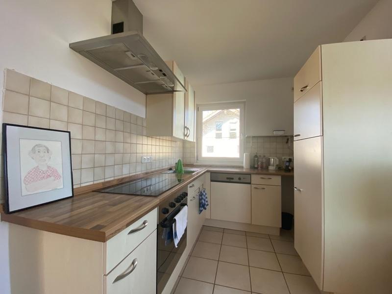 Großzügige, lichtdurchflutete 2 ZKB Wohnung mit Südbalkon in Siegertsbrunn - Küche