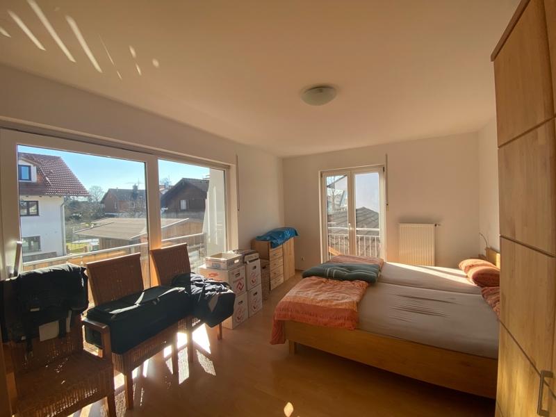 Großzügige, lichtdurchflutete 2 ZKB Wohnung mit Südbalkon in Siegertsbrunn - Schlafzimmer