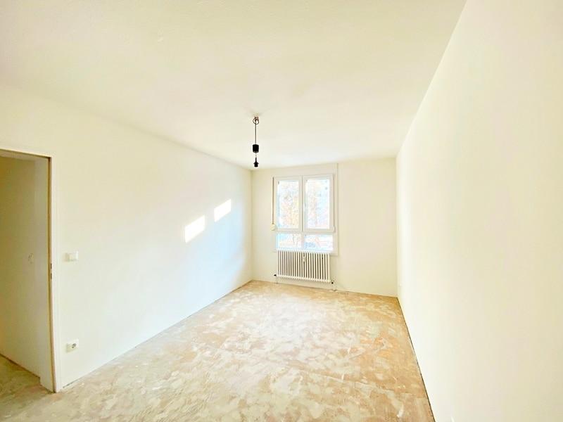 Lichtdurchflutete 2 Zimmerwohnung mit Südbalkon & attraktivem Grundriss in ruhiger Lage von Ottobrunn - Schlafzimmer