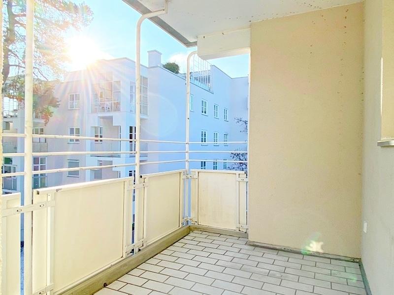 Lichtdurchflutete 2 Zimmerwohnung mit Südbalkon & attraktivem Grundriss in ruhiger Lage von Ottobrunn - Südbalkon
