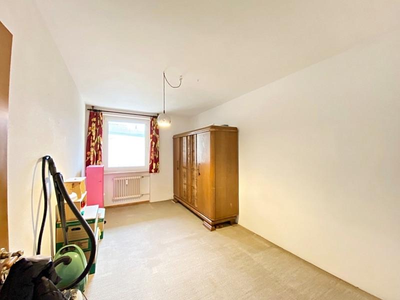 Renovierungsbedürftige 3 ZKB Wohnung mit Südbalkon in ruhiger Lage von Milbertshofen - Kinderzimmer