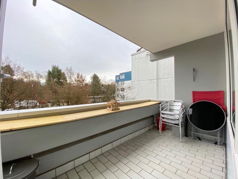Attraktive, gepflegte 1 Zimmerwohnung mit Balkon in ruhiger Waldrandlage von Ottobrunn - Ostbalkon