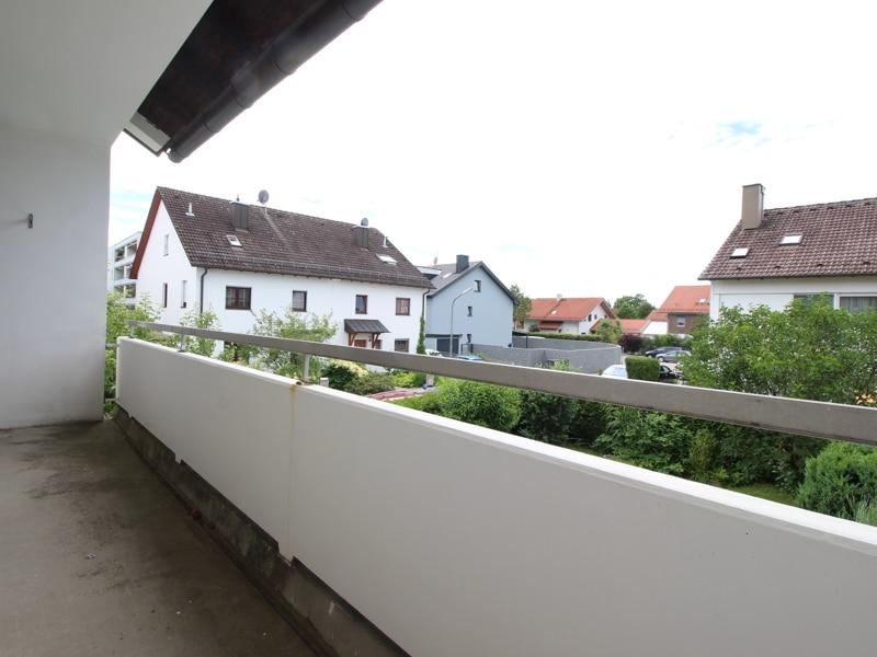 Gepflegtes, renovierungsbedürftiges Reiheneckhaus in ruhiger, familienfreundlicher Lage von Siegertsbrunn - Balkon