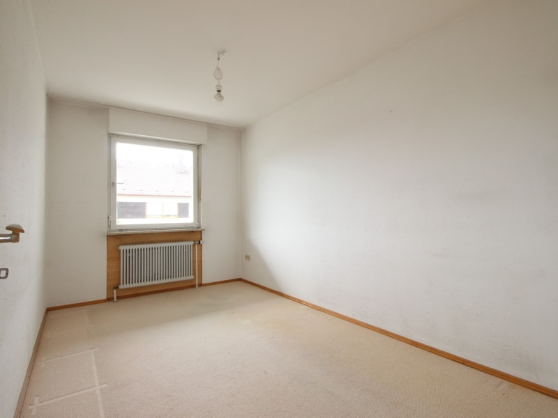 Gepflegtes, renovierungsbedürftiges Reiheneckhaus in ruhiger, familienfreundlicher Lage von Siegertsbrunn - Arbeitszimmer
