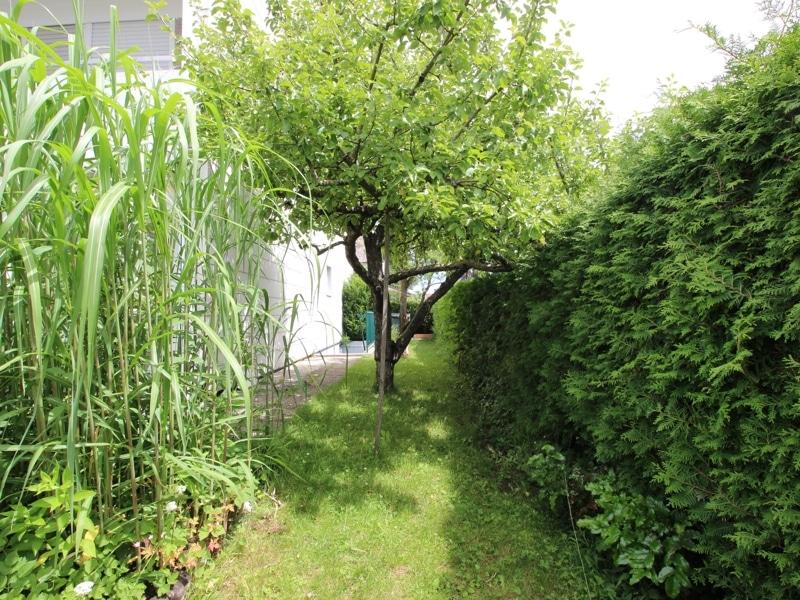 Gepflegtes, renovierungsbedürftiges Reiheneckhaus in ruhiger, familienfreundlicher Lage von Siegertsbrunn - Südseite Garten