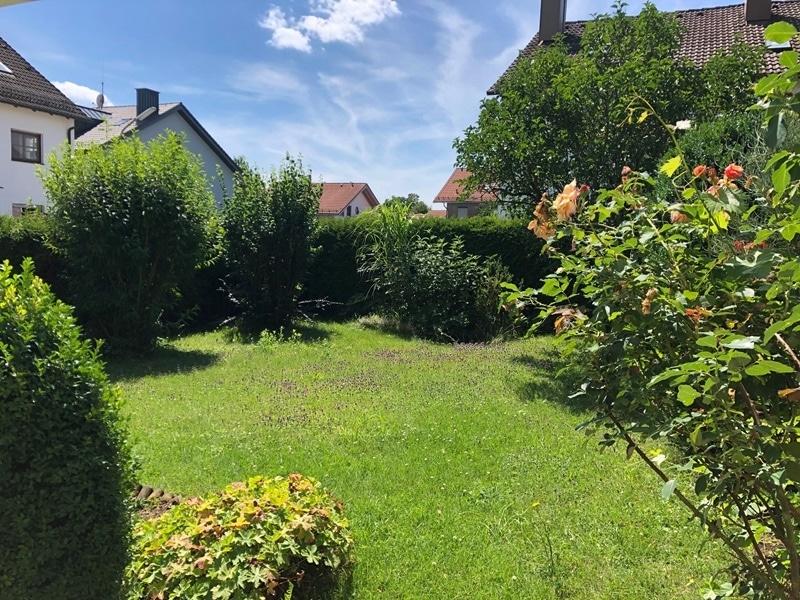 Gepflegtes, renovierungsbedürftiges Reiheneckhaus in ruhiger, familienfreundlicher Lage von Siegertsbrunn - Garten