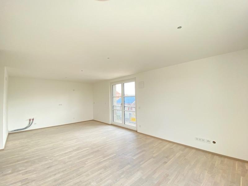 Erstbezug: Nach Westen ausgerichtete ruhige 4 Zimmerwohnung mit 2 Bädern und großem Balkon - Offene Küche