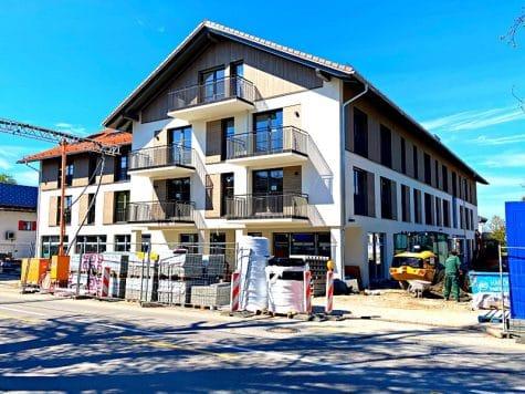Erstbezug: Rückwärtig, lichtdurchflutete 3 Zimmerwohnung mit Südbalkon in der Ortsmitte von Höhenkirchen, 85635 Höhenkirchen, Etagenwohnung