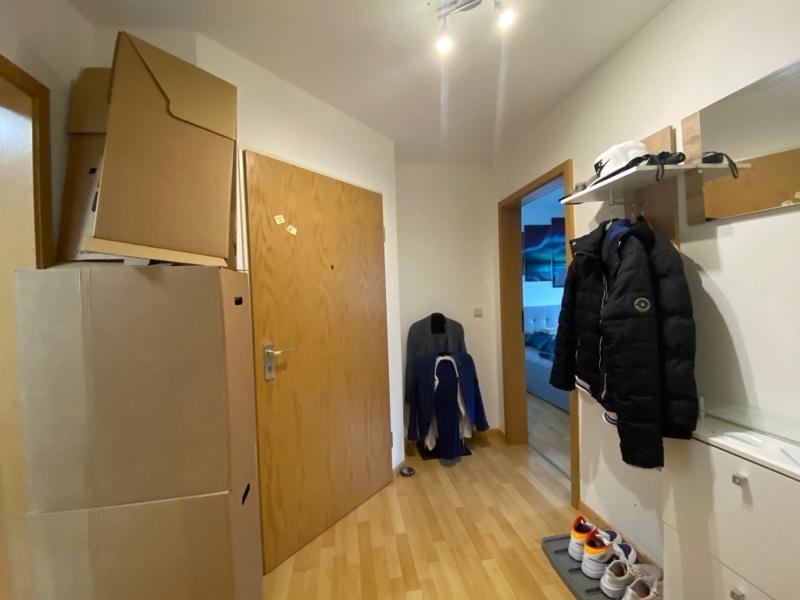 Helle 2 Zimmerwohnung mit großem Südbalkon in ruhiger Lage von Höhenkirchen - Flur