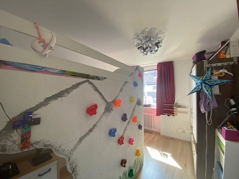 Günstig wohnen in einem kleinen, gepflegten RMH in ruhiger Lage von Ebersberg - Kinderzimmer 2