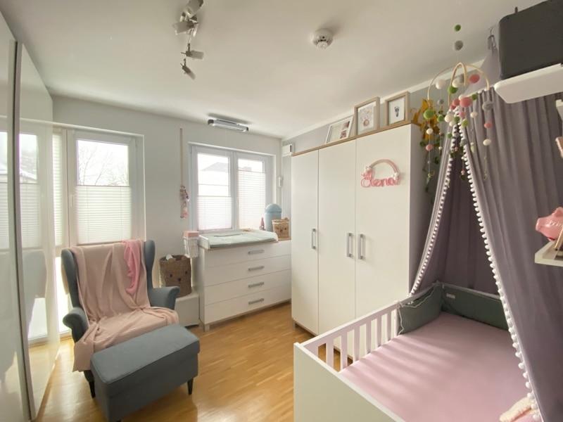 Attraktive, neuwertige 3 Zimmerwohnung mit Südbalkon und Einbauküche in Siegertsbrunn - Kinderzimmer