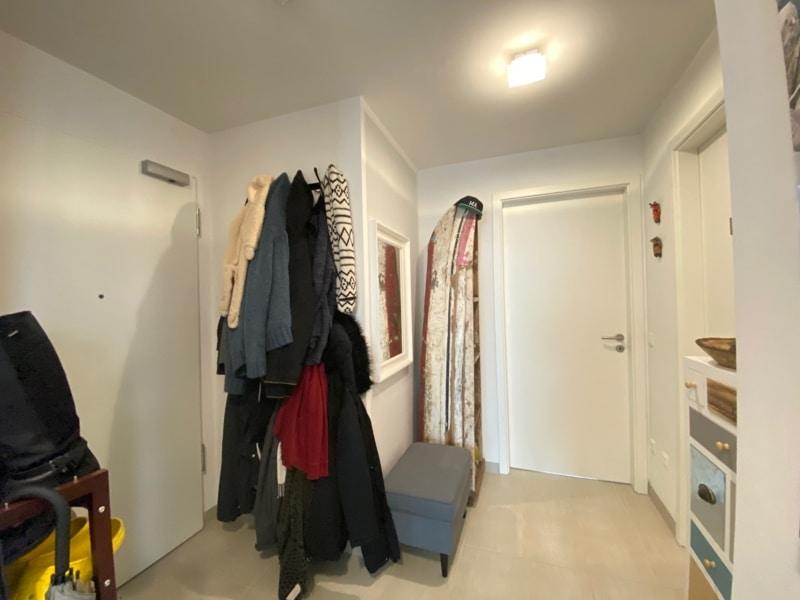 Attraktive, neuwertige 3 Zimmerwohnung mit Südbalkon und Einbauküche in Siegertsbrunn - Eingangsdiele
