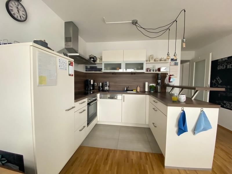 Attraktive, neuwertige 3 Zimmerwohnung mit Südbalkon und Einbauküche in Siegertsbrunn - Einbauküche