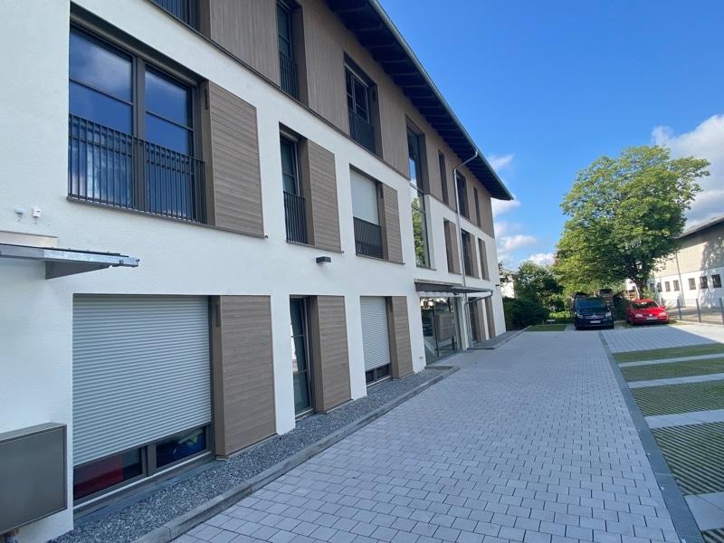 Erstbezug: Nach Westen ausgerichtete ruhige 4 Zimmerwohnung mit 2 Bädern und großem Balkon in der Ortsmitte von Höhenkirchen - Ansicht Eingangsbereich