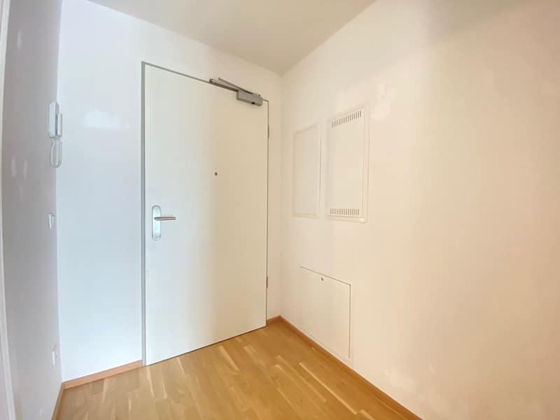 Neuwertige 2 ZKB Wohnung mit Westbalkon in zentraler Lage von Höhenkirchen-Siegertsbrunn - Diele