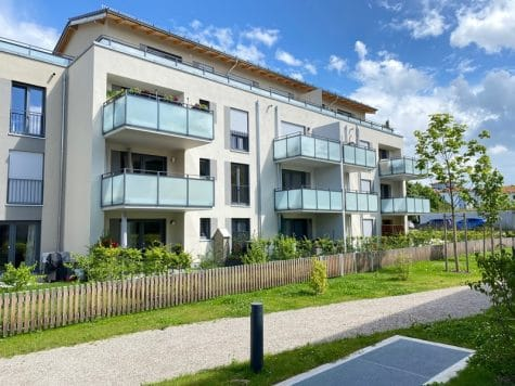 Neuwertige 2 ZKB Wohnung mit Westbalkon in zentraler Lage von Höhenkirchen-Siegertsbrunn, 85635 Höhenkirchen-Siegertsbrunn, Etagenwohnung