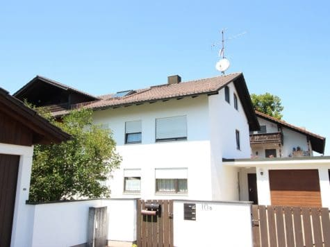 Gemütlich – großzügig – ruhig gelegen: 2.5 Zimmer-Dachgeschosswohnung mit Südbalkon in Aying, 85653 Aying, Dachgeschosswohnung