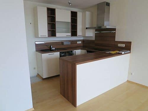 Helle und freundliche 3 Zimmerwohnung in zentraler Lage von Ottobrunn - Küche